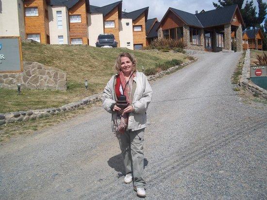 Hotel Mirador del Lago: Descendiendo hacia la vereda