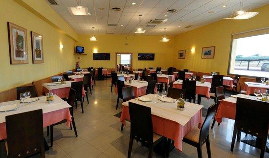 Cafetería Restaurante Castillo El Burgo