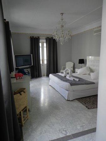Riad Utopia Suites & Spa: Habitación muy luminosa