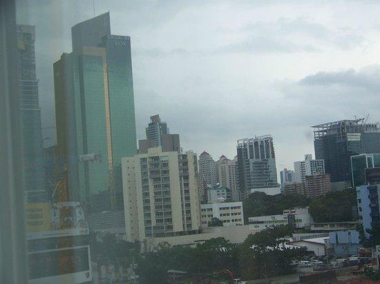 Courtyard Panama at Multiplaza Mall : Panama City in rainy season