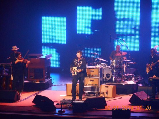Gold Strike Casino Resort : Vince Gill at Gold Strike Tunica