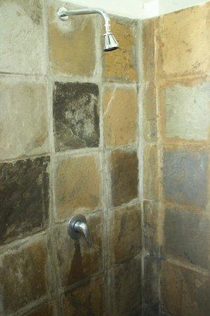 Garoda Resort : meraviglia in pietra grezza