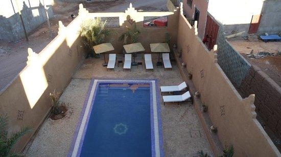 Riad Bouchedor: vue de la piscine