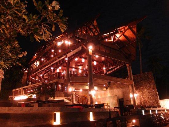 Nora Buri Resort & Spa: Beach Side Dining Area
