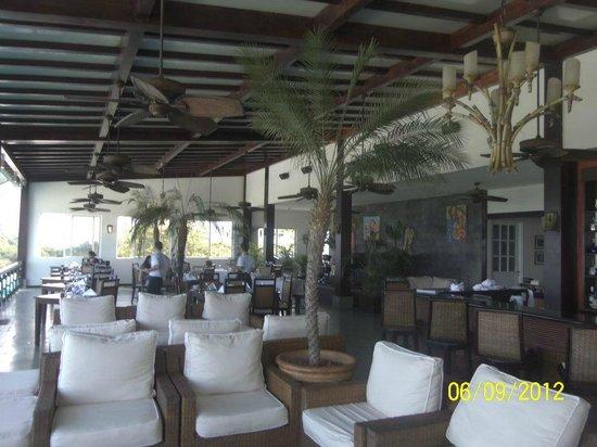 Gaia Hotel & Reserve: La Luna Restaurant