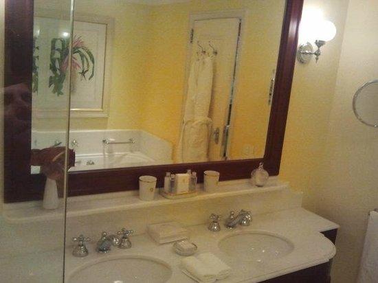 Belmond Copacabana Palace: parcial banheiro