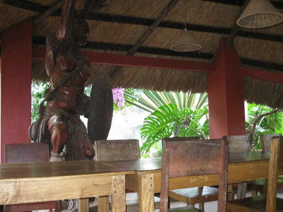 Mabuya Camp: Cafe Dining with tropical feel