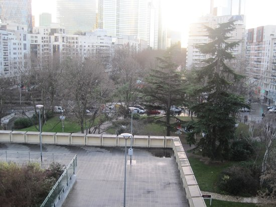 Mercure Paris La Defense 5: view from room