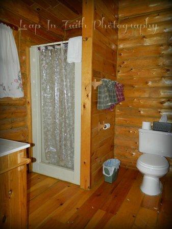 Camp 20 Cabins: Rustic Romance Cabin bathroom