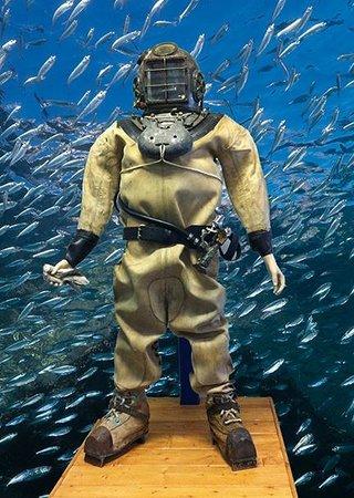 Santa Barbara Maritime Museum : 400 Foot Dive Exhibit