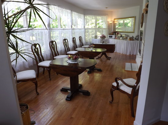 Highland Hideaway Bed and Breakfast: Morning Room