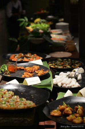 Six Senses Samui : Buffet at dining on the hill