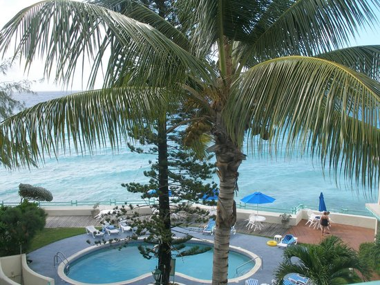 Blue Orchids Beach Hotel : Pool from balcony