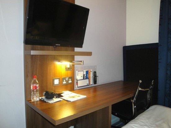 Holiday Inn Express London Stratford : Habitación