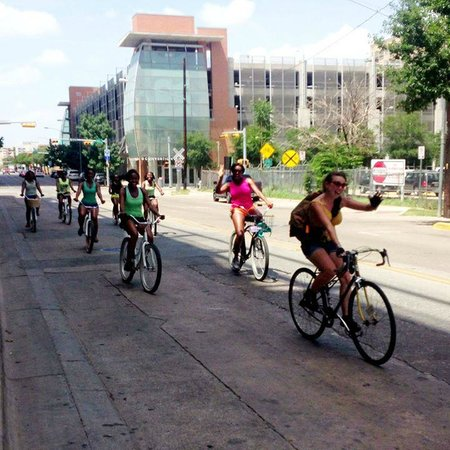 Austin Bike Tours and Rentals: Lisa's tours are always fun!