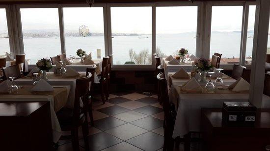 The Byzantium Hotel & Suites: terrace restaurant