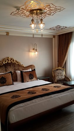 The Byzantium Hotel & Suites: excellent suite