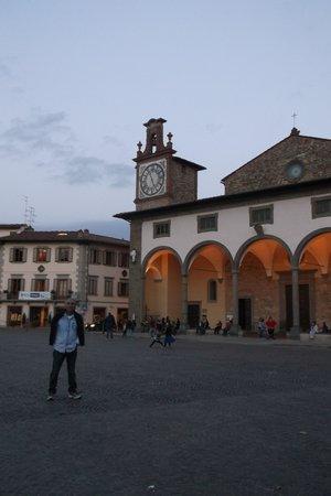 Hotel Ristorante Bellavista Impruneta : the square outside the Bellavista