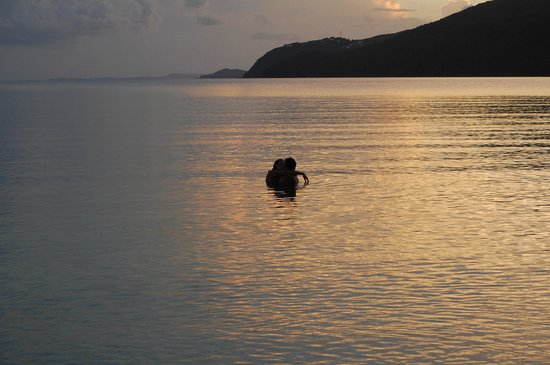 Brewer's Bay: Romantic sunset