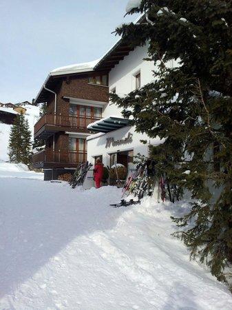 Hotel Murmeli: The entrance