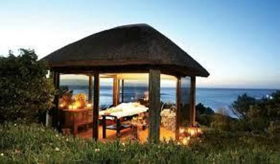 The Twelve Apostles Hotel and Spa : Massage by Atlantic Ocean