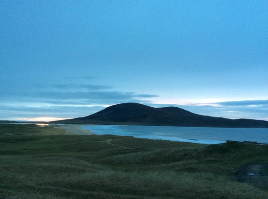 Isle of Harris, UK: Start of sunset at Luskentyre area