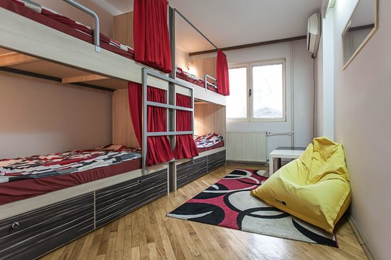 Urban Hostel: 4 bed dorm