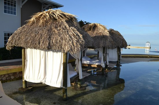Sandals Royal Caribbean Resort and Private Island: Private Cabanas (For a price)