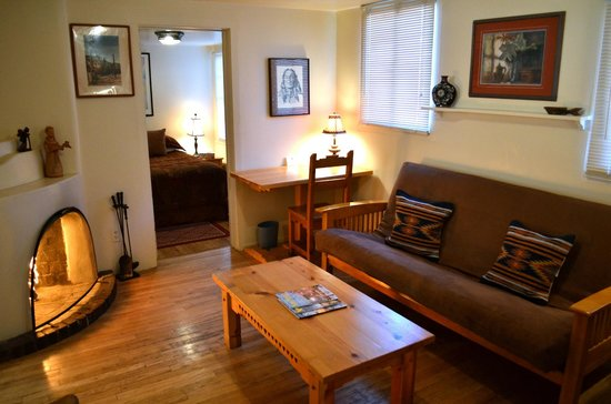 Pueblo Bonito Bed and Breakfast Inn: The Acoma suite is a favorite for comfort for a couple or small family room!