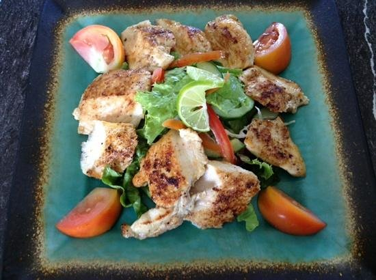Big Citi Grill: blackened chicken salad