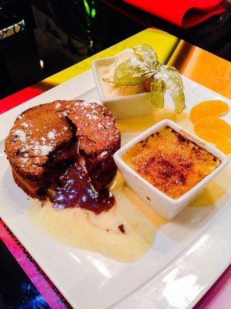 Restaurant Urbain IV : Fondant au chocolat, crème anglaise, glace vanille et crème brûlée