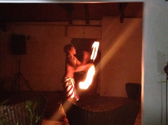 Crown Beach Resort & Spa: Fire dancer