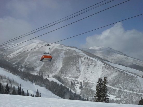 Westgate Park City Resort & Spa: Orange Bubble lift at the Canyons