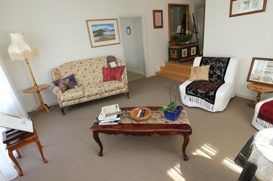 Angoby's of Kyneton: Sitting room