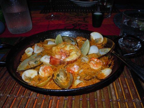 Aji Tapa Bar & Restaurant: Aji Paella