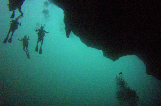 Grande Buraco Azul, Lighthouse Reef: Unbelievable descent