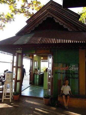 Wat Phra That Doi Kong Mu: Sunset cafe