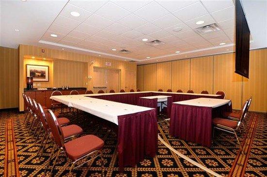 Hampton Inn & Suites Langley Surrey : U-Shaped Meeting Room