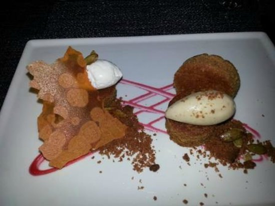 Colicchio & Sons Tap Room: Colicchio and Sons: Carrot Cake  with Vanilla ice cream