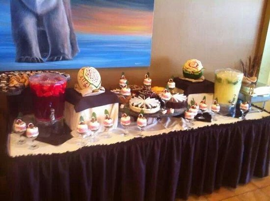 Slave Lake Inn & Conference Centre: Our buffet at the landing