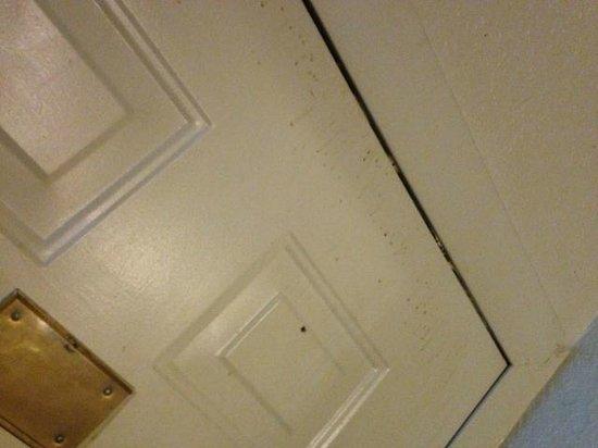 America's Best Inn Moline: something splattered and dried on front door