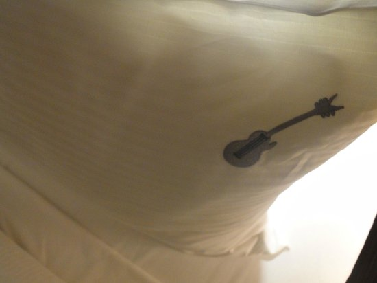 Hard Rock Hotel Panama Megapolis: Detalle en las almohadas....