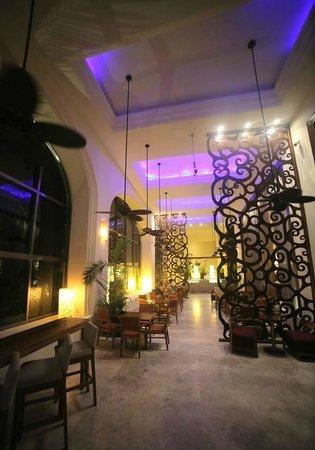 Fiesta Americana Condesa Cancun All Inclusive: Tapas Lounge