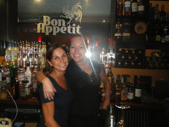 Bon Appetit: Great bar and better servers!