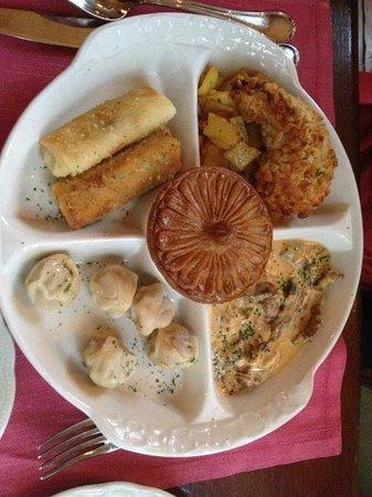 Café Pushkin : a degustation plate of russian specialities