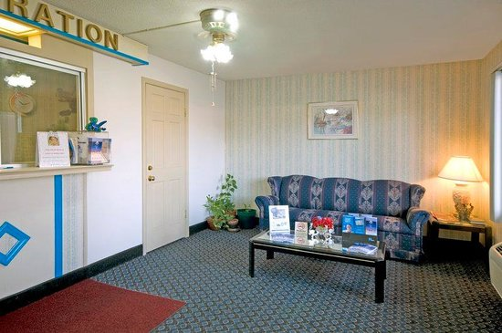 Americas Best Value Inn Roxboro : Lobby