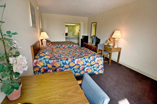 Americas Best Value Inn of Cookeville: King Room