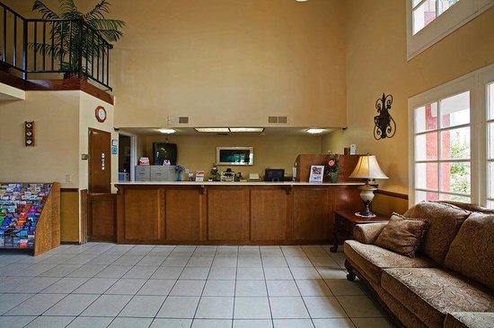 Americas Best Value Inn & Suites: Lobby_2