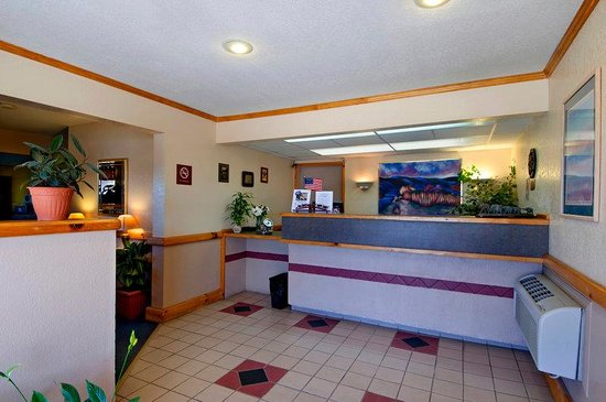 Americas Best Value Inn Garden City: Lobby