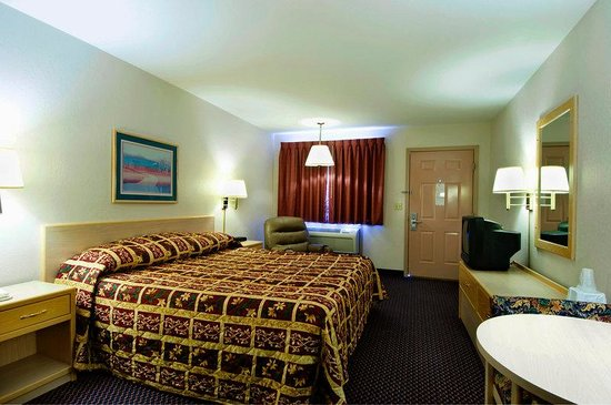 Americas Best Value Inn Garden City